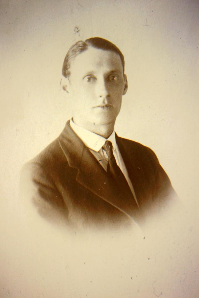 portrait of Sam Waller
